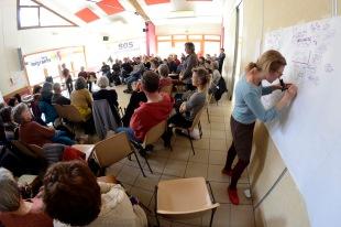 Prise de note sur fresque AG association 'Tous Migrants' (2018)